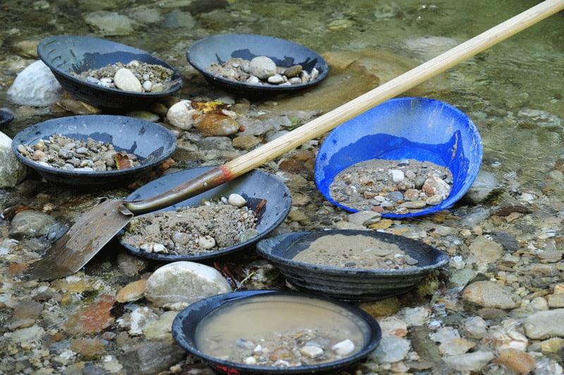 Concentração de minerais pesados.