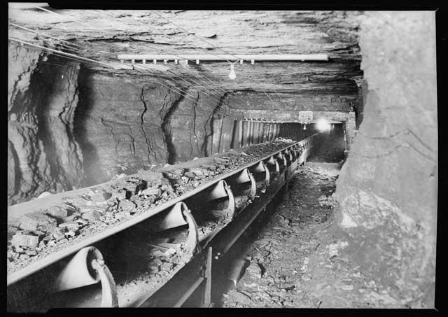 Equipamentos utilizados na lavra subterrânea - Perfuratriz - Correia transportadora