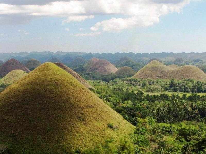 Formações_Geológicas_Chocolate_Hills